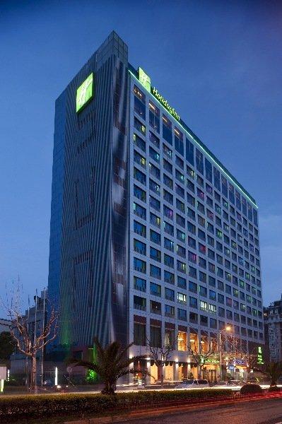 http://www.hotelbeds.com/giata/10/103461/103461a_hb_a_001.jpg