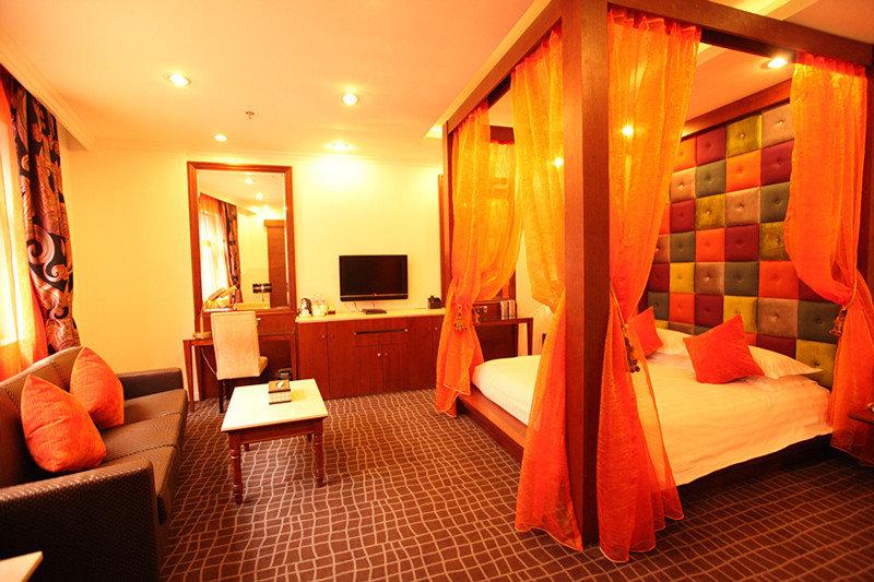 Elanguice Bund Hotel