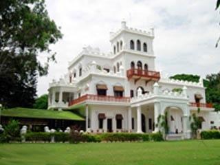Hotel Jayamahal Palace