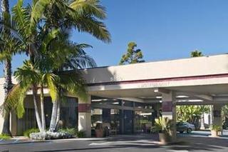 http://www.hotelbeds.com/giata/10/105708/105708a_hb_a_001.jpg
