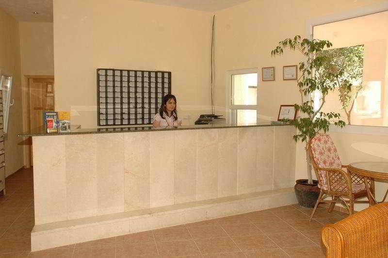 Club Suites Hotel -