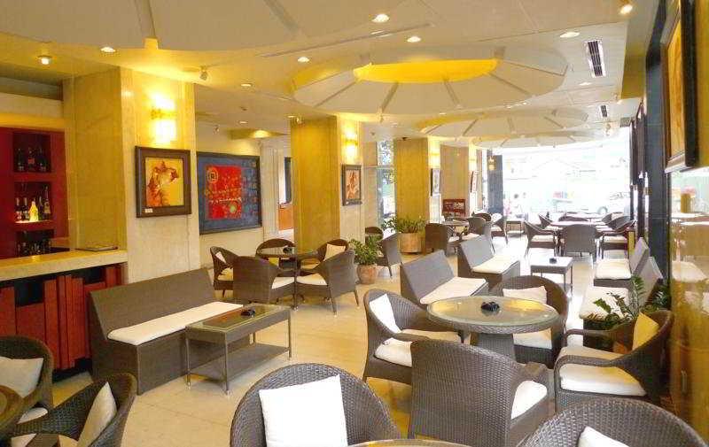 Asia Paradise Hotel:  Bar