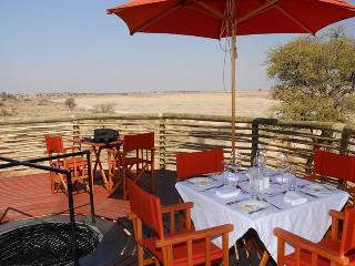 Hotel Intu Africa Suricate Tented Kalahari Lodge