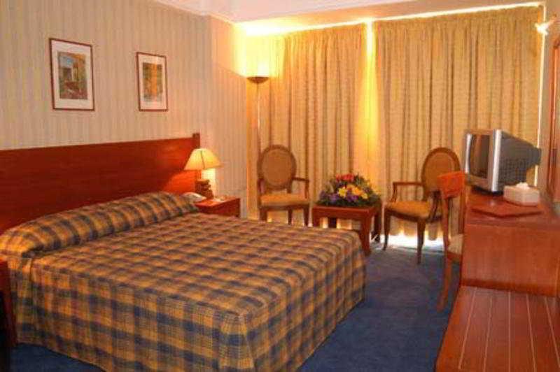 Caesar's Park Hotel:  Room