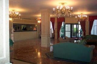 Oferta en Hotel Clarion  & Suites North en Flowood