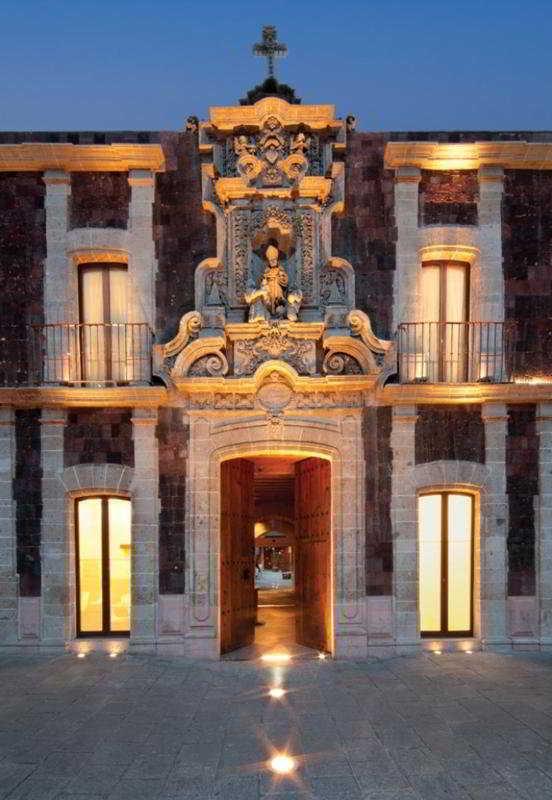 http://www.hotelbeds.com/giata/11/110473/110473a_hb_a_012.jpg