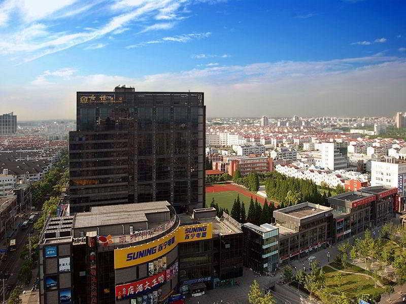 July Plaza International Hotel