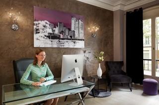 http://www.hotelbeds.com/giata/11/111237/111237a_hb_l_001.jpg