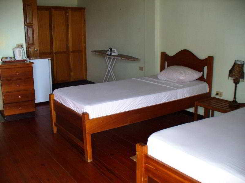 hotel Tobago Island Suites Scarborough