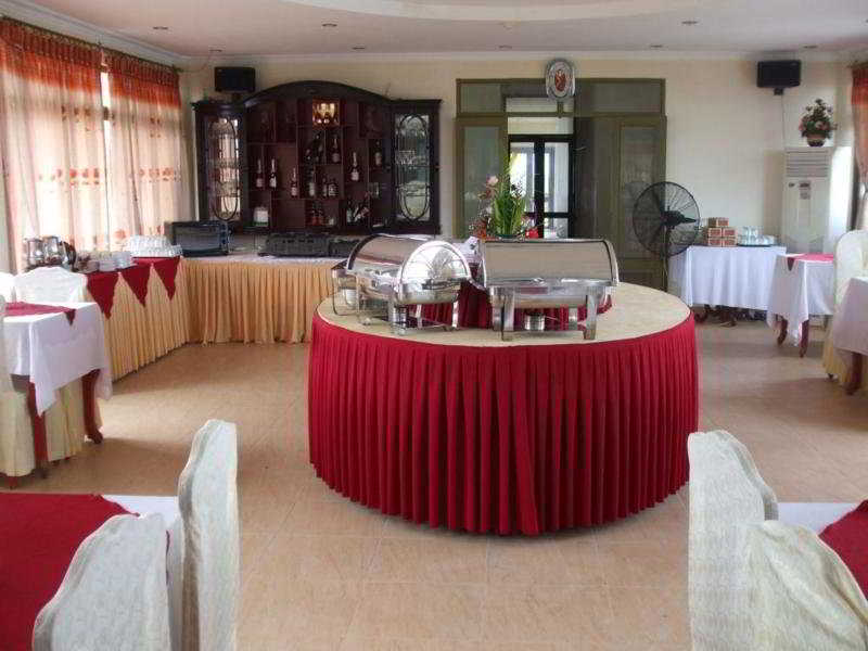 Restaurant - Ngoc Huong Hotel