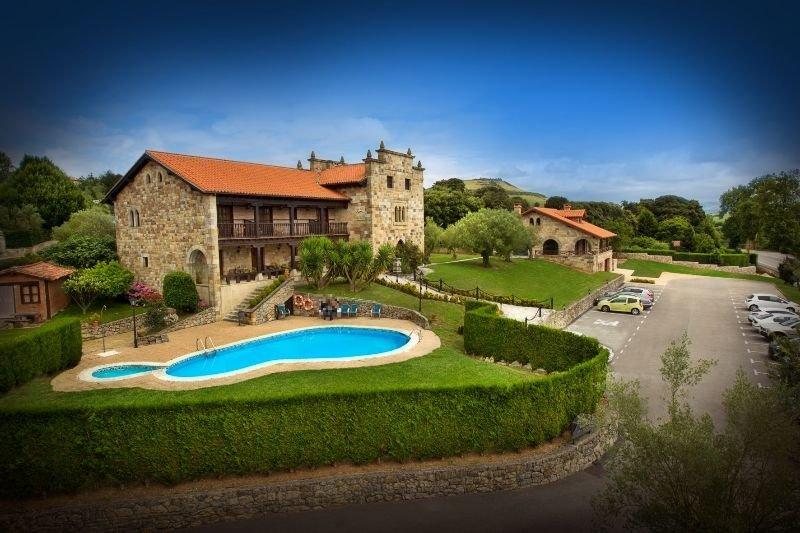 Hoteles con sauna en santillana del mar espa a viajes el for Posada el jardin santillana del mar