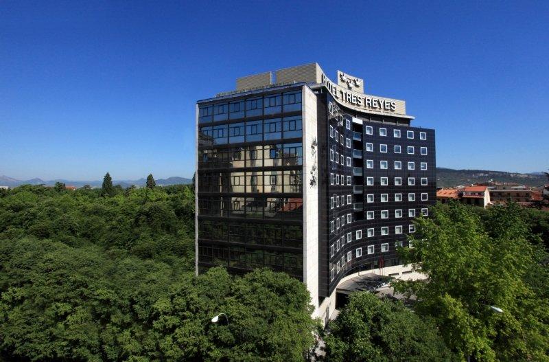 http://www.hotelbeds.com/giata/11/112046/112046a_hb_a_001.jpg