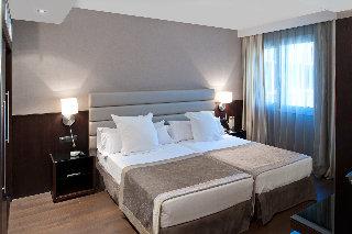 http://www.hotelbeds.com/giata/11/112687/112687a_hb_w_001.jpg