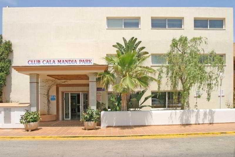 Cala Mandia Park -