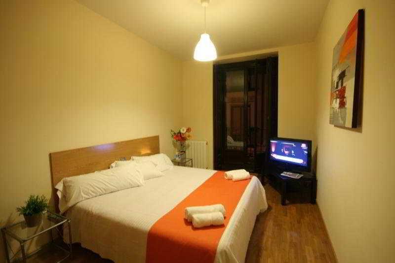 La Latina Apartamentos:  Room