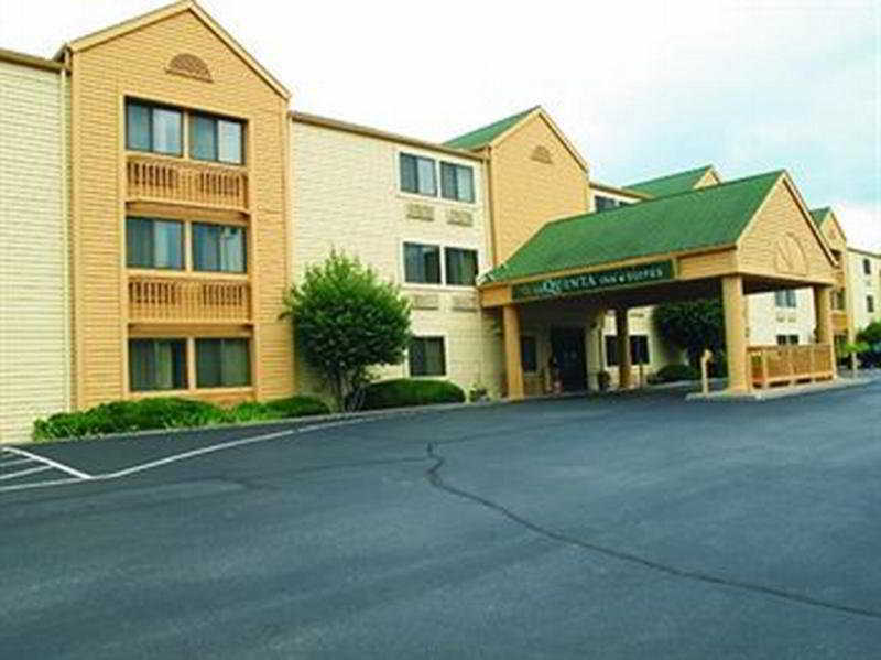 La Quinta Inn & Suites St Louis / Maryland Heights