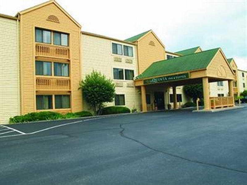 La Quinta Inn & Suites St Louis / Maryland Heights