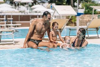 Grand hotel leon d 39 oro - Porto giardino resort monopoli ...