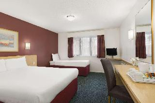 hotel Days Hotel London Stansted Heathrow Airport