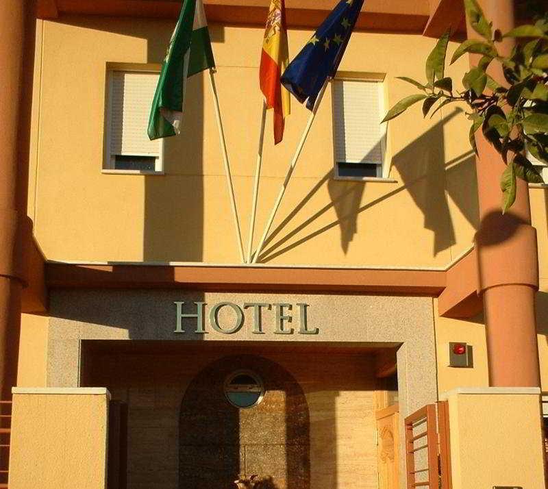 http://www.hotelbeds.com/giata/11/115634/115634a_hb_a_001.jpg