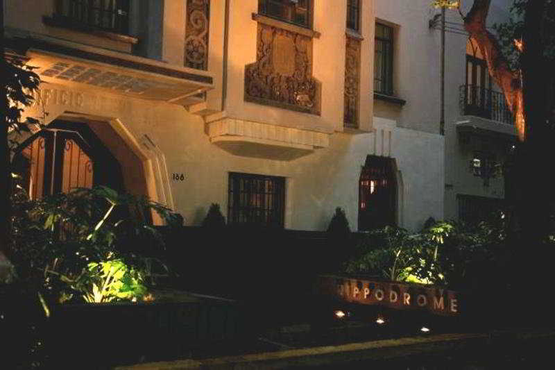 http://www.hotelbeds.com/giata/11/116175/116175a_hb_a_002.jpg