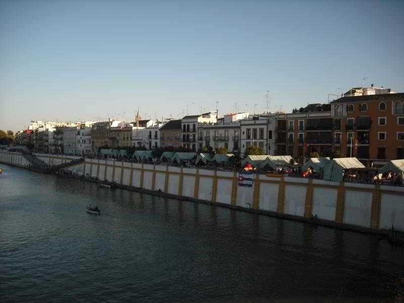 http://www.hotelbeds.com/giata/11/116598/116598a_hb_a_004.jpg
