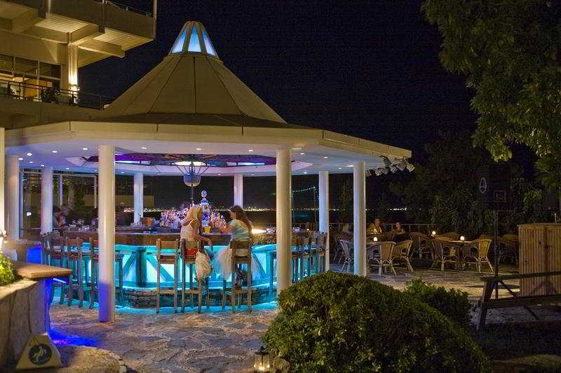 Mares Hotel Dolphin Park and Spa -