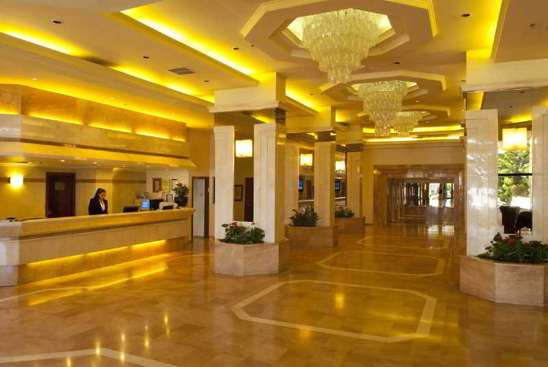 Shalom Jerusalem Hotel:  Lobby