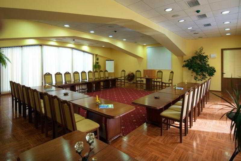 Villa Maria Revas:  Conferences