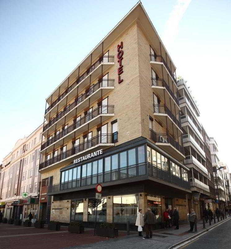http://www.hotelbeds.com/giata/12/121485/121485a_hb_a_006.jpg
