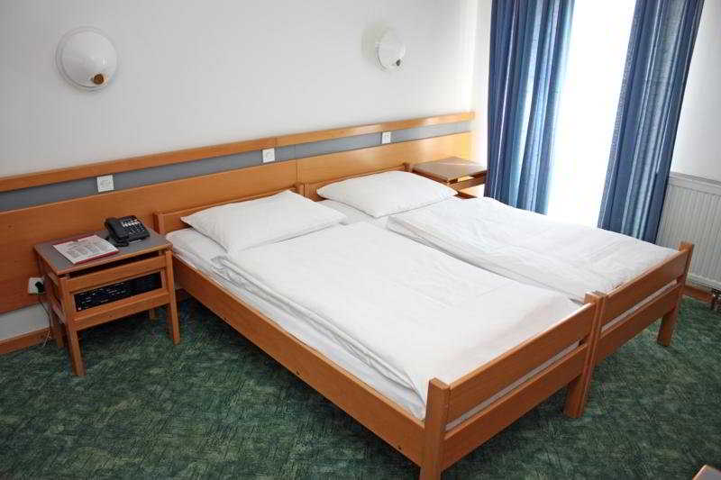 Room - Alp