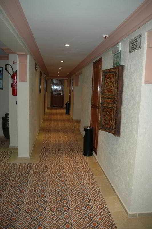 http://www.hotelbeds.com/giata/12/121737/121737a_hb_a_009.jpg