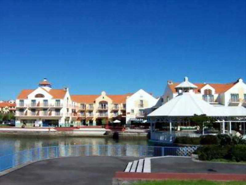 Gulf Harbour Lodge