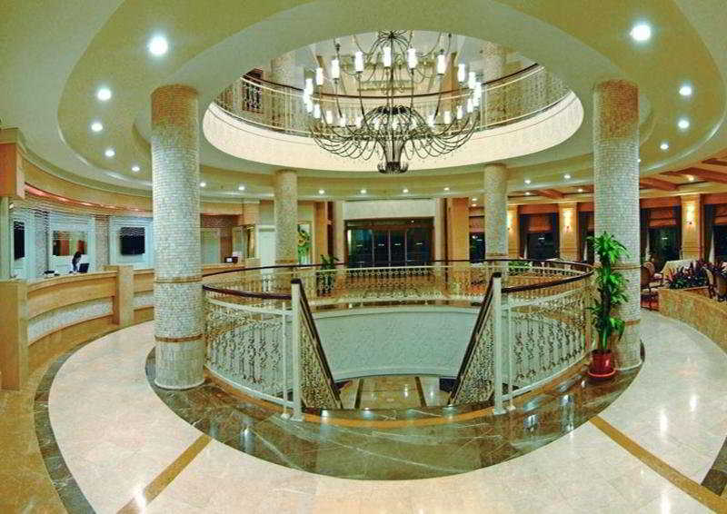 Alba Royal Hotel -