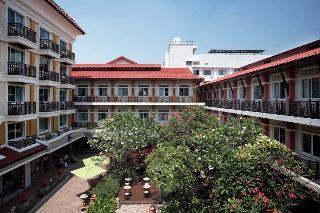 Hotel Rambuttri Village Inn & Plaza
