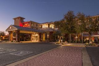 Hilton Garden Inn Pivot Point Center