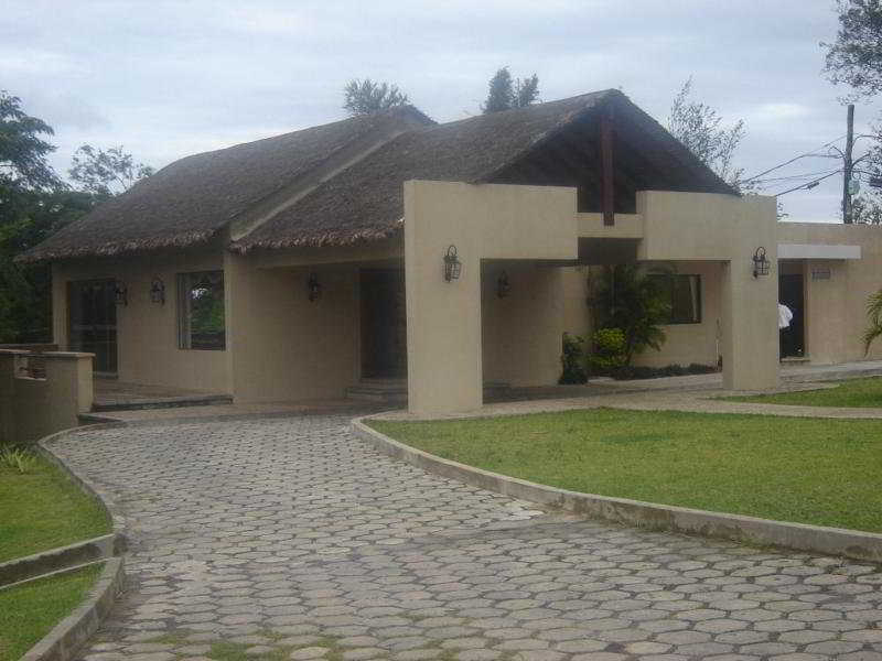 Los Cedros Eco Resort