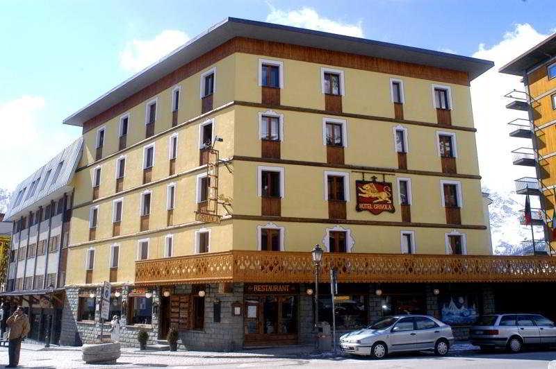 Grivola Breuil Cervinia, Italy Hotels & Resorts