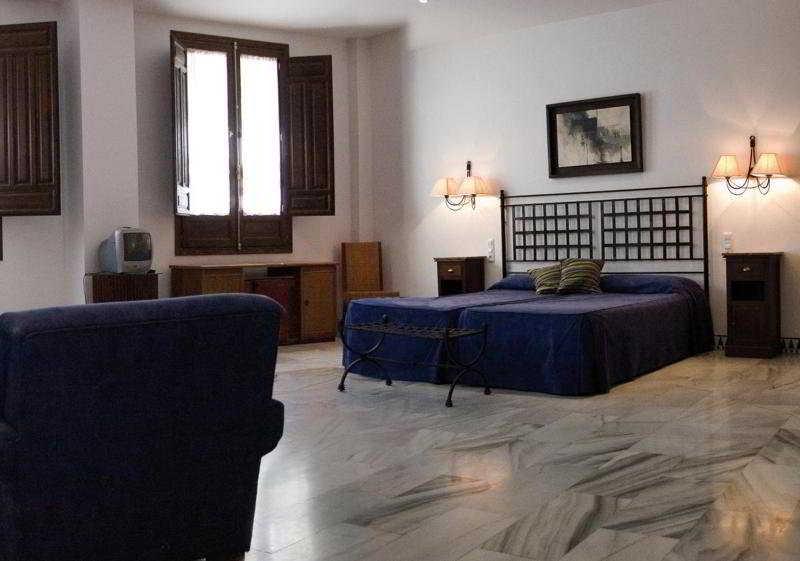 http://www.hotelbeds.com/giata/12/124741/124741a_hb_w_001.jpg