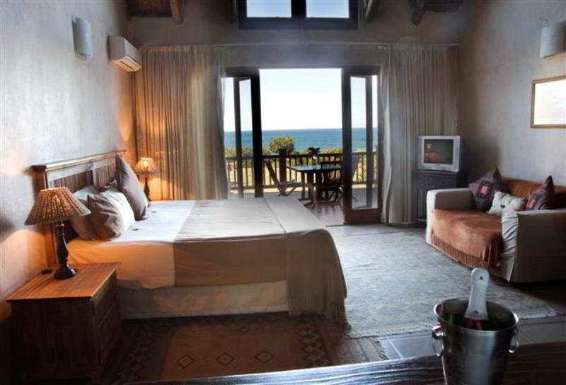 Crawford's Beach Lodge