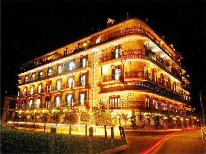 Van Loi Hotel:  General