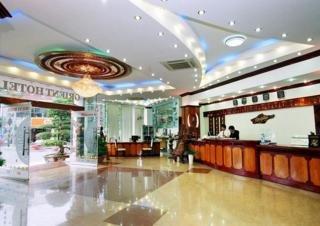 Orient Hotel:  Lobby