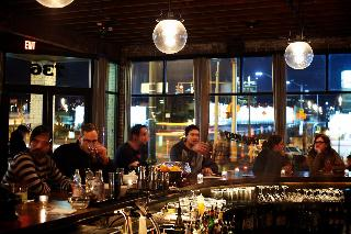 hotel crowne plaza portland downtown convention center. Black Bedroom Furniture Sets. Home Design Ideas