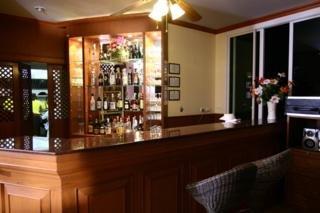 Chaba Hotel:  Bar