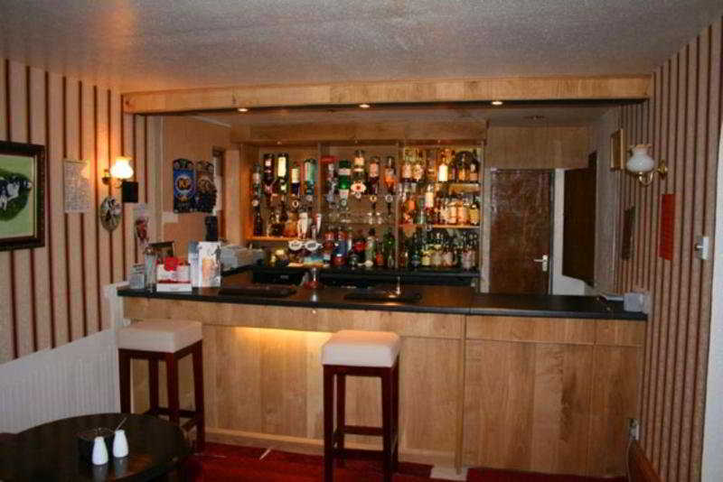 Ossian Inn:  Bar