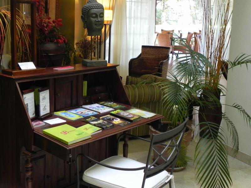 Hotel Torres De Somo:  Lobby