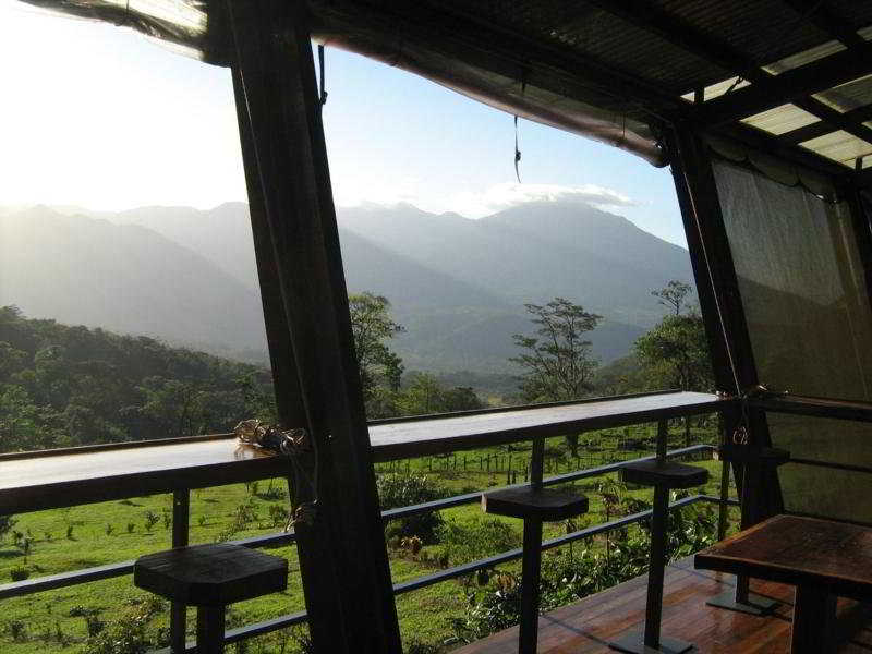 Celeste Mountain Lodge:  Bar: .costa rica costa rica hotels & resorts rio celeste