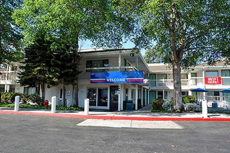 Hotel Motel 6 Oakland Embarcadero