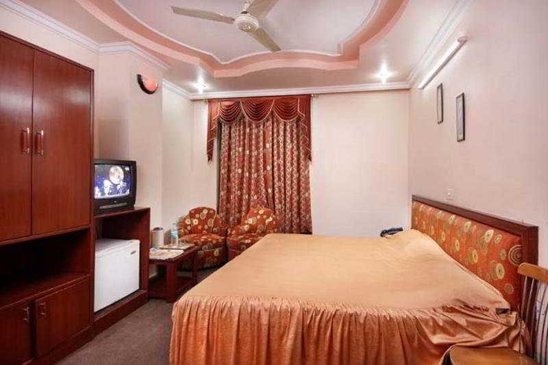 Room - Hotel Shimla Palace