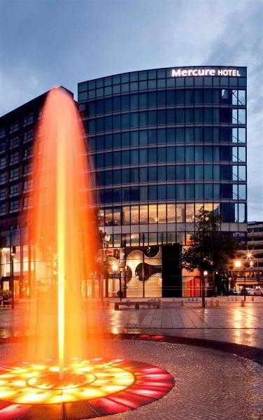 http://www.hotelbeds.com/giata/12/128187/128187a_hb_a_001.jpg